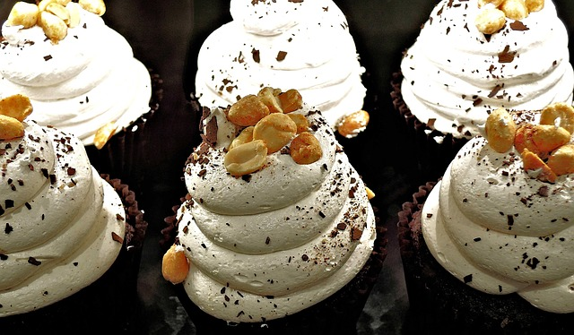 chocolate-cupcake-1014635_640
